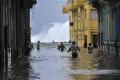 Habana-bajo-agua olas