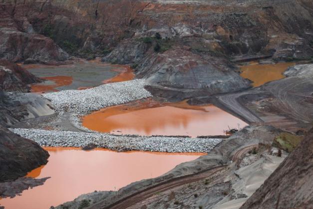 Brazil barragem de Fundão